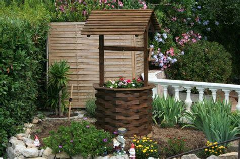 les puits de d 233 coration de jardin