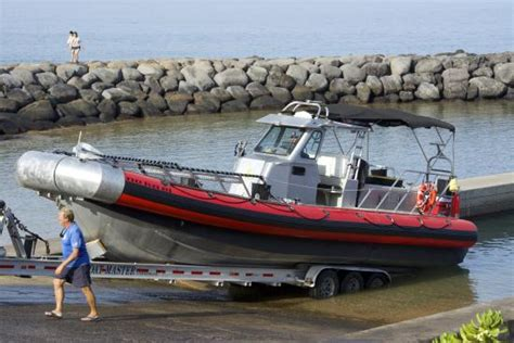 Zodiac Boat Maui by Launching The Zodiac Picture Of Maui Snorkel Charters