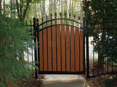 Fence - Gate : Seegars Fence Company