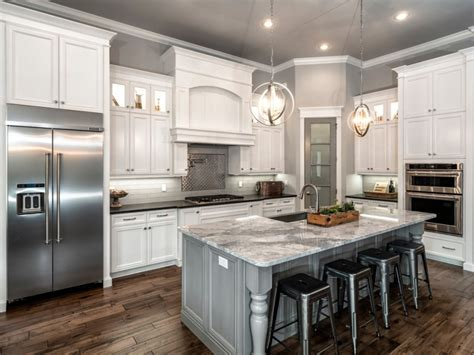 Popular Paint Colors For Kitchens You Can Choose Contemporary Kitchen Ideas 2014 Before And After Makeovers White Galley Designs Rustic Dresser Traditional Tile Backsplash Transitional Photo Gallery Urban Barn Tables