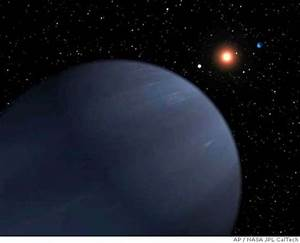 Astronomers find giant gas planet orbiting star's ...
