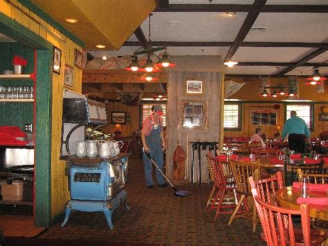 fried pork loin sandwich picture of machine shed restaurant davenport tripadvisor