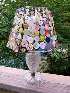 Lampenschirm Basteln Einfach : basteln mit kn pfen 13 interessante diy bastelideen zum nachmachen ~ Markanthonyermac.com Haus und Dekorationen