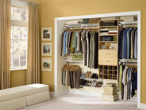 Designing The Right Closet Layout Blue And Yellow Kitchen Themes Modern Contemporary Design Island Traditional Accessories Meal Makeover Moms Galley Layouts For Small Spaces Rustic Designs