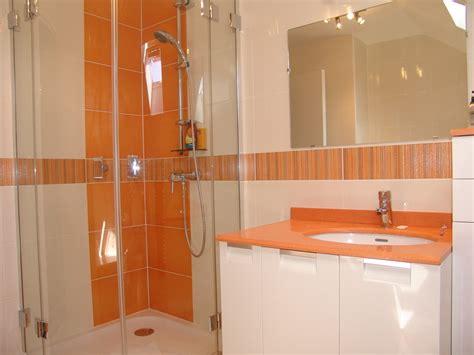 salle de bain orange et blanc meilleures id 233 es cr 233 atives pour la conception de la maison