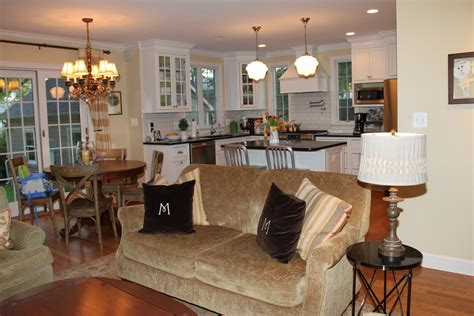 Best Floor For Kitchen And Family Room by Happy Kitchen Living Room Open Floor Plan Pictures Best