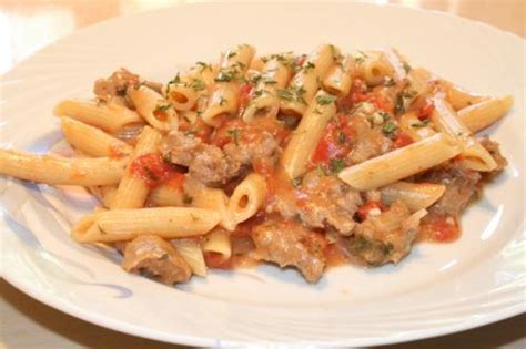 penne dans une sauce cr 232 meuse avec saucisses italiennes de mari12 recettes