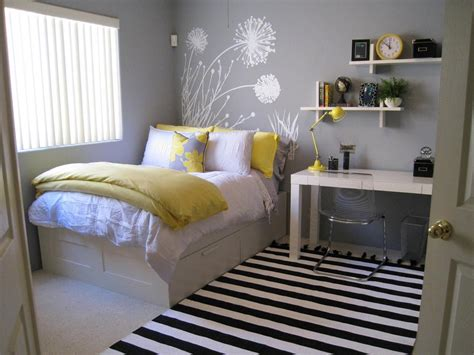 Home Decor Yellow And Gray : Beautiful Grey And Yellow Bedroom