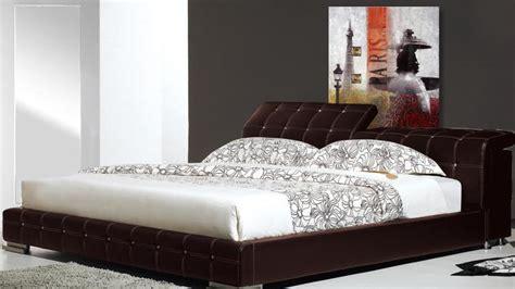 lit cuir capitonn 233 style baroque pratique et confortable moon mobilier moss