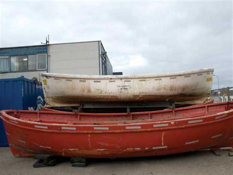 Casco Reddingssloep Kopen by Redders Van Reddingsboten Lifeboat Cy Boten Nl