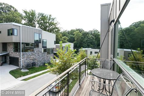 Featured Listing Rarely Available Parkview Contemporary
