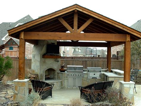 St. Louis Patio Covers>> Call Barker & Son At