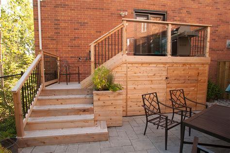 small backyard deck patio idea hobsonlandscapes hobsonlandscapes