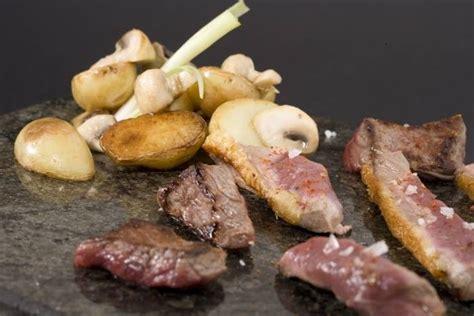 recette de plancha de viandes pommes grenailles confites aux chignons facile et rapide