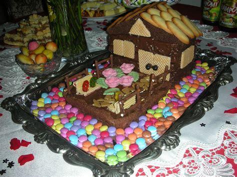 g 226 teau d anniversaire maison en chocolat avec jardin la maison f 233 erique