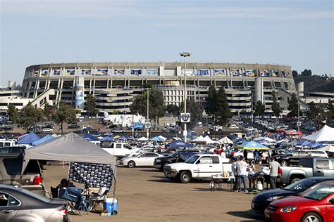 San Diego Chargers Opt To Stay At Qualcomm Stadium In 2014