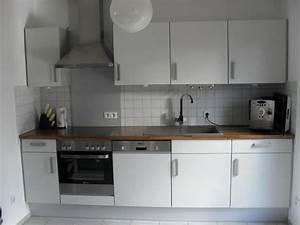 Küchenzeile 2 M : k chenzeile mit einbauger te freistehender k hlschrank zus gro er schrank in holzhausen ~ Markanthonyermac.com Haus und Dekorationen