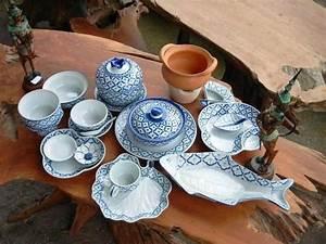 Geschirr Blau Weiß : thai porzellan celadon ~ Markanthonyermac.com Haus und Dekorationen