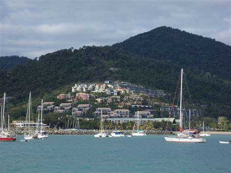 Boat Mooring Airlie Beach by Photo Of Airlie Beach On The Water Free Australian Stock