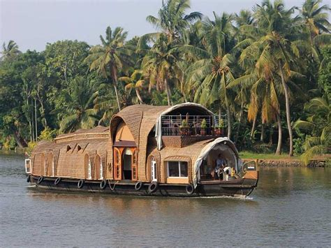 Houseboat In Hindi by Backwater Cruise In Kerala India Business Insider