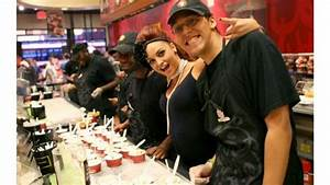 The World's Largest Ice Cream Social with WWE, Cold Stone ...