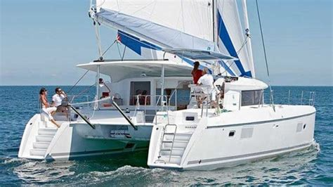 Bareboat Catamaran Hire Whitsundays by Whitsundays Yacht Charter Charter World Yachting Holidays