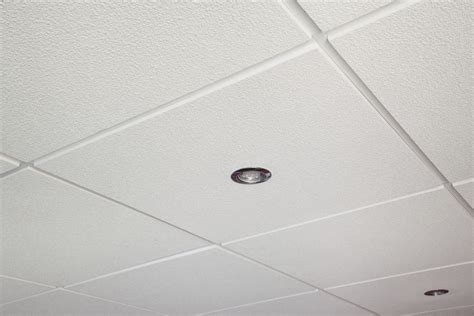cuisine faux plafond dalles ou lames agipro dalle plafond