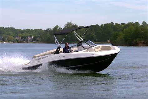 Sea Ray Boats Vs Bayliner by Best Open Bow Boats Best In Travel 2018