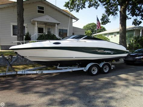 Rinker Boats Any Good by 1998 Used Rinker 232 Captiva Cruiser Boat For Sale