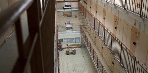 violences sur des enfants en prison le cri d alarme