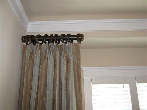 Decorative Traverse Curtain Rods With Pull Cord