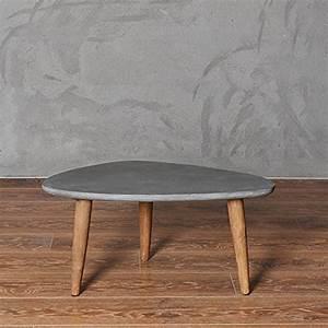Einfache Herbstdeko Tisch : couchtisch imitation zement tisch dreieck einfache moderne tabelle einfache tabelle ~ Markanthonyermac.com Haus und Dekorationen