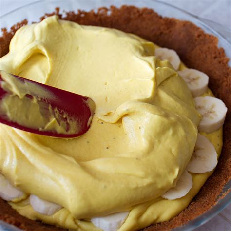 banana pie with speculoos cookie crust fmitk from