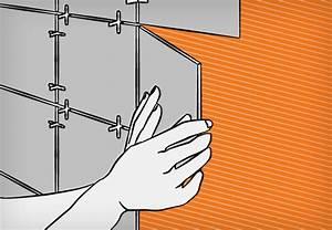 Auf Fliesen Tapezieren : fliesen auf fliesen kleben bei der renovierung mit obi ~ Markanthonyermac.com Haus und Dekorationen