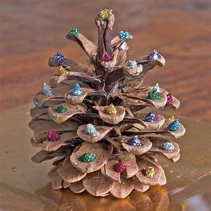 Tannenzapfen Deko Ideen : die besten 25 kiefernzapfen ideen auf pinterest deko weihnachten tannenzapfen weihnachten ~ Markanthonyermac.com Haus und Dekorationen