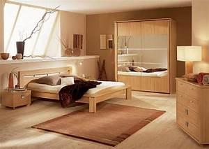 Ideen Schlafzimmer Farbe : wandfarbe braun zimmer streichen ideen in braun freshouse ~ Markanthonyermac.com Haus und Dekorationen