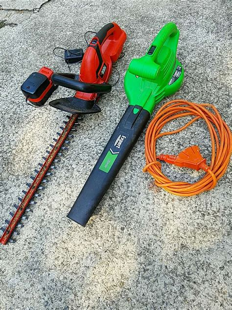 Letgo  Black & Decker Hedge Trimmer And B In Taylors, Sc