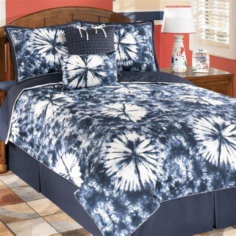 tie dye comforter bedroom ideas