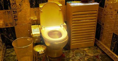un bol de toilette en or massif pour le pdg de bombardier