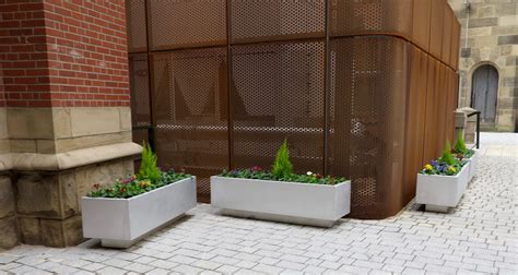 Cplp Planter  Benchmark Street Furniture