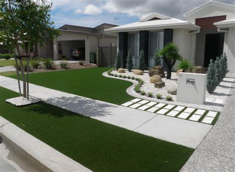 The Front Yard : Different Potion For Front Yard Designs