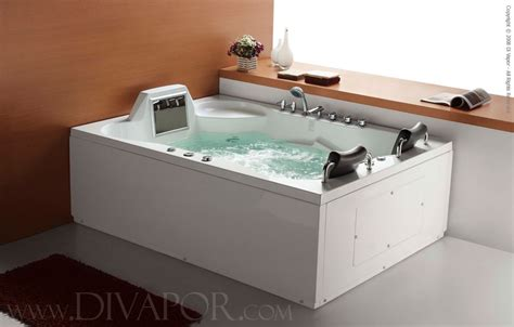 jetted bathtubs for two hydromassage whirlpool bathtubs the luxor