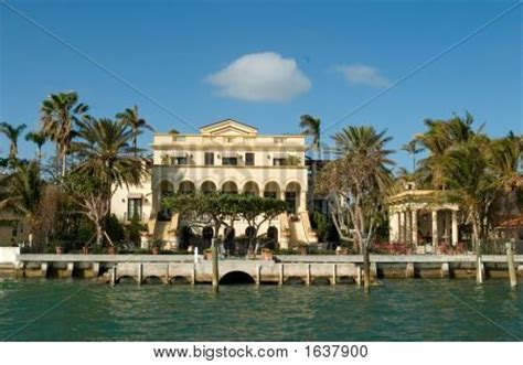 Boat Dealers Spanish Fort Al by Yellow House By The Sea Image Cg1p637900c