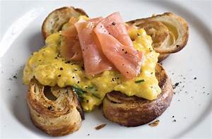Scrambled eggs and smoked salmon croissants recipe