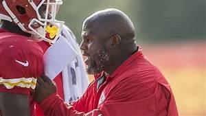 Chiefs offensive coordinator Eric Bieniemy ready to run ...