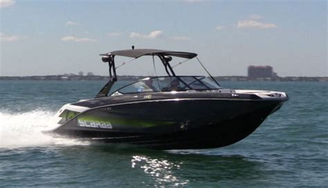 Scarab Wake Boat Reviews by Compare Express Cruisers 42 45 Scarab 255 Beneteau