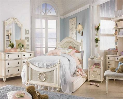 Country Chic Bedroom Ideas, Shabby Chic Girls' Bedroom