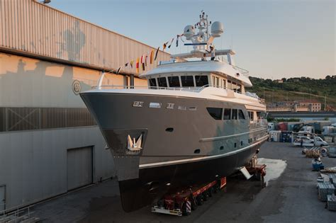 Motorjacht In Storm by Darwin Class 107 Explorer Yacht Storm By Cdm At Launch