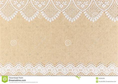 texture de toile de jute avec la dentelle blanche sur la conception en bois de fond de table