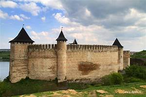 The ancient fortress of Khotyn · Ukraine travel blog